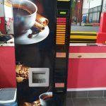 Automat z gorącymi napojami